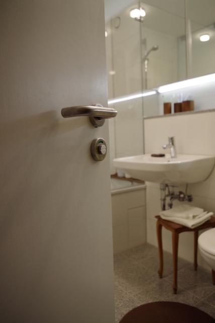 łazienka biało zielona, 2 piętro, 1