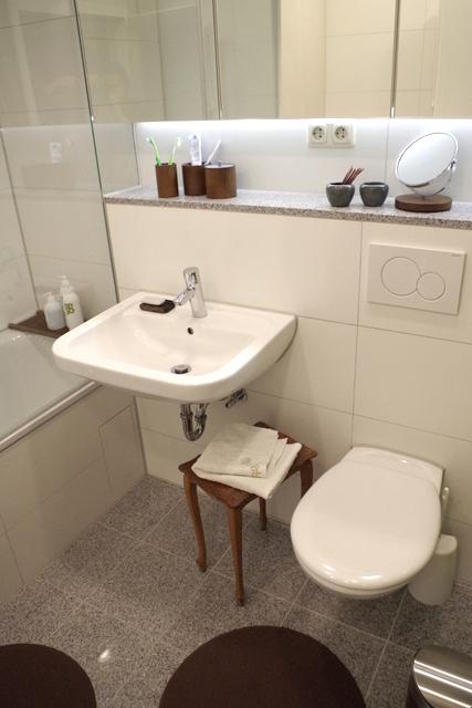 łazienka biało zielona, 2 piętro, 5